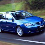Репортеры опубликовали первые фотографии обновленной Mazda3